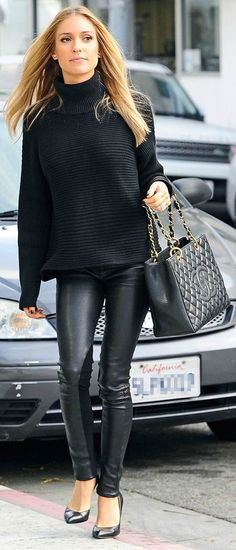 Minimal and chic! Kristin Cavallari in all black!