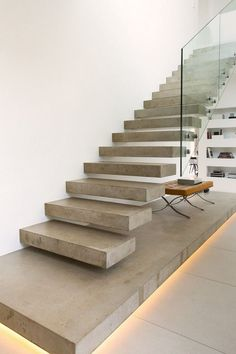 Modern concrete staircase ideas offer a new perspective to this well known material. Concrete stairs are widely used not only in public areas Staircase Design Modern, Home Stairs Design, Interior Stairs, Dream Home Design, Home Interior Design, House Design, Beton Design, Casas Country, Concrete Staircase