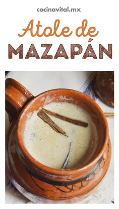 If you love this treat, we assure you that this marzipan Atole recipe will drive you crazy! Here we tell you how to prepare it, enjoy with your family. Gourmet Recipes, Mexican Food Recipes, Dessert Recipes, Cooking Recipes, Mexican Atole Recipe, Do It Yourself Food, Mexican Drinks, Delicious Desserts, Yummy Food