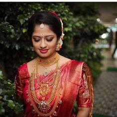 Saree Bridal Lehenga, Saree Wedding, Wedding Wear, Wedding Bride, Kerala Hindu Bride, Bengali Bride, Kerala Engagement Dress, Bridal Hairdo, Indian Bridal Hairstyles