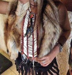 Indianerschmuck, Brustpanzer Indianer Chokker War-bonnet-Federhaube - Braslet Little Big Horn Miss Java Collection Chain Real Bone Indian Halloween