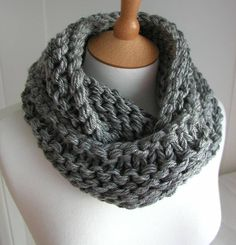 another chunky cowl ... knitting with fat yarn & big needles ... nice easy project ... sort of an 'outlander' look ...  free pattern via ~ www.craftsy.com/pattern/knitting/accessory/steel-grey-chunky-circular-scarf/40918