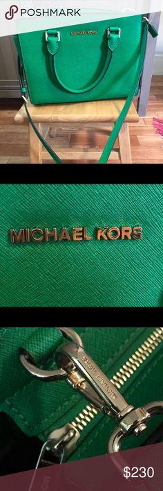 Kelly Green Medium Selma Michael Kors Crossbody Excellent condition  All measurements in photo Michael Kors Bags Crossbody Bags