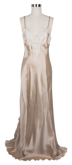Feel like a hollywood siren every night in the Jane Woolrich Lace Nightgown in Peach and Ivory!