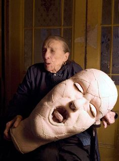 Louise Bourgeois with a fabric sculpture in progress in Photo: © Alex Van Gelder / Art: © The Easton Foundation. Article: First Ever Show In Israel For Groundbreaking Artist Louise Bourgeois - After Nyne Magazine Textile Sculpture, Soft Sculpture, Metal Sculptures, Abstract Sculpture, Bronze Sculpture, Australian Artists, American Artists, Louise Bourgeois Art, Feminist Art