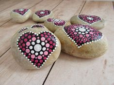 Valentine's Day Gift Heart Decor Hand Painted Rock #heartdecor #valentinesday #valentinesdaygift