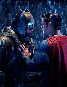Batman Vs Superman Poster, Arte Do Superman, Batman Comic Art, Batman Comics, Superman Wallpaper, Deadpool Wallpaper, Batman Pictures, Batman Armor, Superman Dawn Of Justice