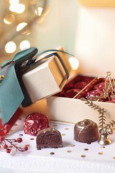 Bombones con ganache de castaña. Receta de Navidad Chocolate Candy Molds, Chocolate Desserts, Chocolate Navidad, Artisan Chocolate, Cake & Co, Brownie Bites, Food Gifts, Parfait, Recipies