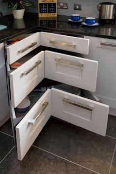 Hafele magic corner ii for use in kitchen blind corner for Design appartement hafele