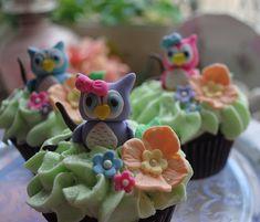 Owl Cupcakes by DixieBelleCupcakeCafe Owl Cupcakes, Cupcake Art, Cute Cupcakes, Cupcake Cookies, Cupcake Toppers, Amazing Food Decoration, Fondant Owl, Ladybug Cakes, Chocolate Art