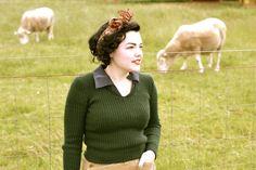 Land Girls ribbed green sweater. Ah-MAAAAAAZing!!!