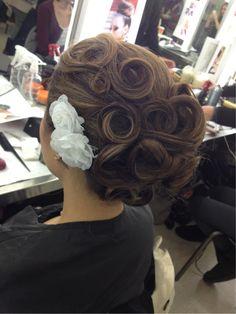 Added By Grace Mok. #bridalhair #beautyschool #hairstyles @bloomdotcom