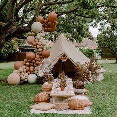 Boho party for the win! Safari Party, Coachella Birthday, Teepee Party, Picnic Birthday, 7th Birthday, Balloon Garland, Birthday Party Decorations, Event Decor, Baby Shower