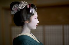 Maiko during Gion festival