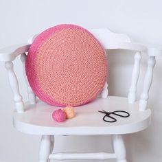 Round crochet cushion