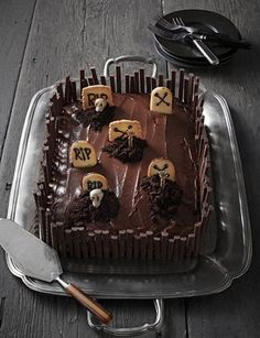 Torta cimitero al cioccolato per Halloween