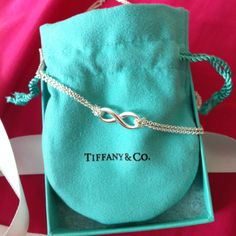 So lucky to have this gorgeous Tiffany necklace. BHW ❤