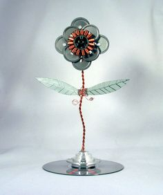 Computer Parts Flower by GeekGear on Etsy, Cool Electronics, Electronics Projects, Computer Parts And Components, Computer Diy, Vader Star Wars, Old Computers, Electronic Art, Metal Art, Geek Stuff