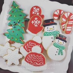 Still a few spots left in my Cookie Decorating Workshop this Sunday afternoon at the BWG Leisure Centre. $80  Go home with a dozen delicious cookies decorated by you!  Learn the skills to make these cookies again at home.  Send me an email at sweethandmadecookies@gmail.com or give me a jingle on the old fashioned telephone.  The number is in my bio.  #sweethandmadecookies #customcookies #decoratedcookies #designercookies #cookies #bradfordontariocookies #cookiedecoratingworkshop