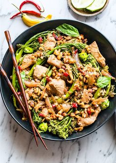 This Thai-Style Stir Fry with Pork and Broccolini is a great weeknight meal that is easy to make, gluten free, and paleo friendly. A Healthy protein packed that only takes 30 minutes from start to finish! Stir Fry Recipes, Pork Recipes, Paleo Recipes, Healthy Dinner Recipes, Thai Recipes, Drink Recipes, Easy Recipes, Paleo Food, Cooking Recipes