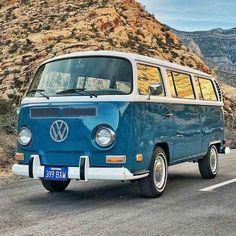 Early Bay VW.  #MyCamperVan Volkswagen Bus, Vw T2 Camper, Vw Bus T2, Kombi Motorhome, Vw T1, Campers, Mustang, Kombi Food Truck, Kombi Clipper