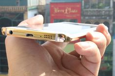 Here's how gold-plated Samsung Galaxy and Galaxy edge look - Tech Foogle Technology Updates, Computer Technology, Technology Gadgets, E Trade, Gadget Review, Samsung Galaxy S6, Tech Accessories, Usb Flash Drive, Smartphone