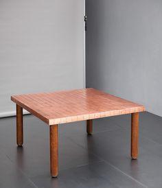 Lorenzo Burchiellaro  Raro tavolo Rame, gambe in legno tornito. Prod. Atelier Burchiellaro, anni '70