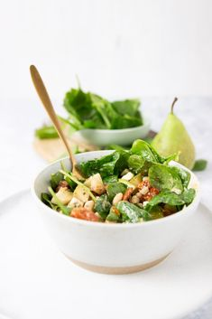 Salade to go met spinazie, peer en feta – Foodie Feest Salade to go met spinazie, peer en feta – Foodie Feest Feta, Lunches, Cantaloupe, Salad Recipes, Spinach, Good Food, Food And Drink, Fruit, Vegetables
