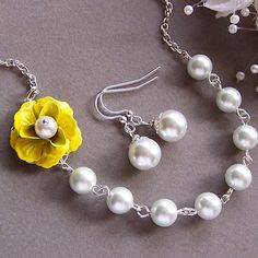Bridesmaids Necklace and Earring Set - Custom Flower and Pearl Necklace, Yellow Flower Necklace, Wedding jewelry, Flower Jewelry    This romantic