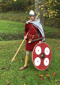 New article on dressing an upper-middle class 10th Century Danish warrior is up! Follow the link to check it out!