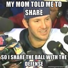 Romo was taught to share lol Nfl Jokes, Funny Football Memes, Funny Nfl, Funny Sports Memes, Sports Humor, Funny Jokes, Soccer Humor, Funny Minion, Hilarious