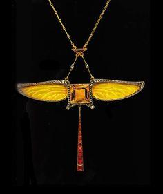 Art Nouveau citrine dragonfly pendant Paul Fallot c. Bijoux Art Nouveau, Art Nouveau Jewelry, Jewelry Art, Antique Jewelry, Vintage Jewelry, Fine Jewelry, Jewelry Design, Jewlery, Citrine Pendant