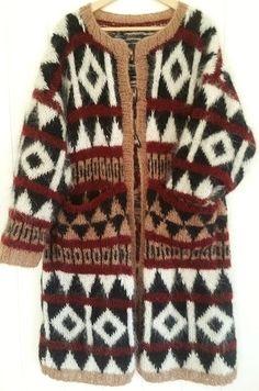 Lang versjon av INCA-jakken Duffelcoat - pockets - lommer - Eget design. Oppskrift er for salg. Oppskriften er på norsk. Design: Annelise Bjerkely Facebook: strikkesida til annelise