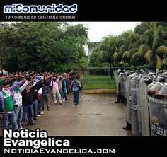 Se enfrentan policías y manifestantes en Acapulco
