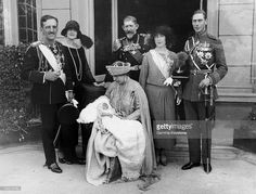 In September King Alexander Of Serbia, Queen Elizabeth Of Greece (Born Elizabeth Of Romania), Ferdinand Of Romania, The Duke Of York Albert, Future George Vi And His Wife Elizabeth The Duchess Of York (From Left To Right). Lady Elizabeth, Princess Elizabeth, Romanian Royal Family, Emperor Of India, King Alexander, Serbia And Montenegro, Queen News, Royal Crowns, Duchess Of York