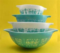 Pyrex Amish Butterprint pattern.   Have a couple of these pieces :)