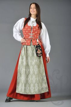 Trønderbunad med veska i hempe utapå Costumes Around The World, Frozen Costume, Trondheim, Thinking Day, Swedish Design, Summer Outfits Women, Ethnic Fashion, Traditional Outfits, Norway