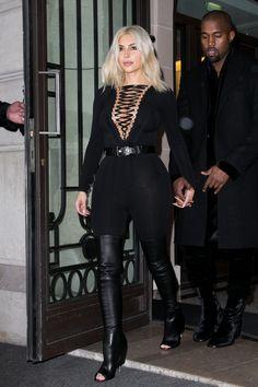 Kim Kardashian Street Style - Kim Kardashian Best Looks Kylie Jenner, Kendall Jenner Workout, Kendall Jenner Dress, Robert Kardashian, Khloe Kardashian, Kardashian Fashion, Kardashian Kollection, Kendall And Kylie, Trendy Fashion