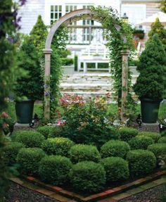 Doris Slick's Nantucket-Style Garden in Warson Woods - St. Louis Magazine