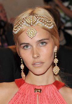 lucia de luca jewelry | 1001 Nacht: Isabel Lucas mit Kopfschmuck