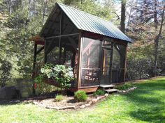Gazebo by the Riber - Enjoy the screened in Gazebo located by the river during your stay at Pick's Riverside Retreat