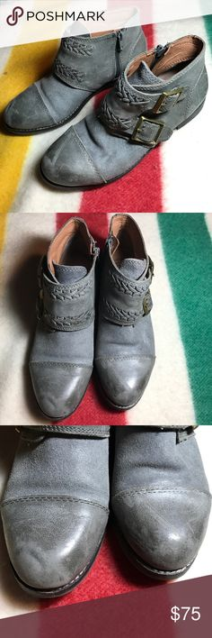 🔥Lucky Brand gray leather zipper ankle boots🔥 Lucky Brand gray leather ankle boots size 6M. Features zipper opening. Great preowned condition with some scuffing on toe areas. Lucky Brand Shoes Ankle Boots & Booties
