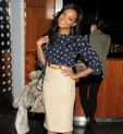 Work outfit: high-waisted pencil skirt, tucked in printed blouse, heels, structured bag #inspiration