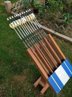 Archery Range, Archery Tips, Archery Targets, Archery Arrows, Shooting Targets, Bow Arrows, Shooting Stand, Bow And Arrow Diy, Bow Hanger