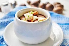 Die #Maronisuppe ist die ideale Herbstsuppe. Das Rezept stammt vom Weinherbst in der Steiermark. Sour Cream, Alsace, Dessert, German Recipes, Check, Food Porn, Cooking, Easy Meals, Deserts
