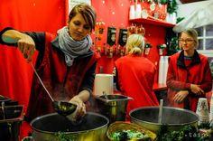 OBRAZOM: V Bratislave sa začali Vianoce, otvorili tradičné trhy - Regióny - TERAZ.sk Painting, Painting Art, Paintings, Painted Canvas, Drawings