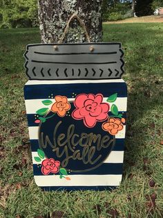 Exceptional DIY tips are offered on our site. Read more and you wont be sorry you did. Chalk Paint Mason Jars, Painted Mason Jars, Mason Jar Crafts, Mason Jar Diy, Wooden Door Signs, Burlap Door Hangers, Wooden Hangers, Mason Jar Flowers, Diy Flowers