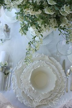 These dishes are wonderful. How lovely a table would look with settings of these Dresser La Table, Boho Home, Beautiful Table Settings, White Dishes, White Plates, Blue Dishes, White Cottage, Rose Cottage, Shades Of White