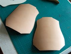 Photo Tutorial: Making a waxed leather drinking flask