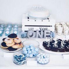 Nå ligger alle bildene av kakebordet fra ett årsfeiringen til tvillingene på bloggen  Go check them out; NOUW.COM/MAMMAHJEM